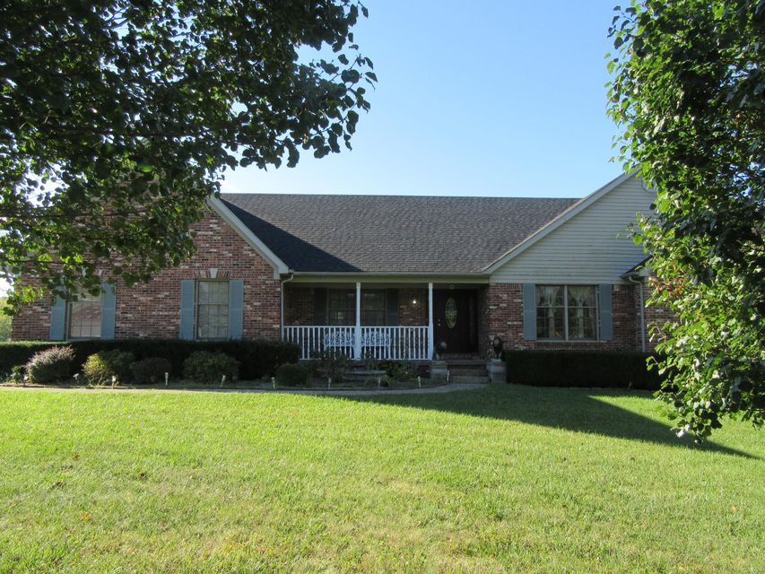 Single Family Home for Sale at 2103 Crescent Court 2103 Crescent Court Crestwood, Kentucky 40014 United States