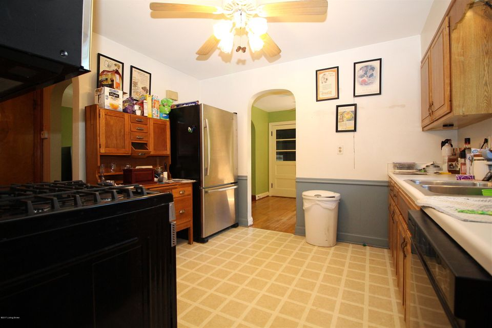 Additional photo for property listing at 2221 Fairland Avenue 2221 Fairland Avenue Louisville, Kentucky 40218 United States