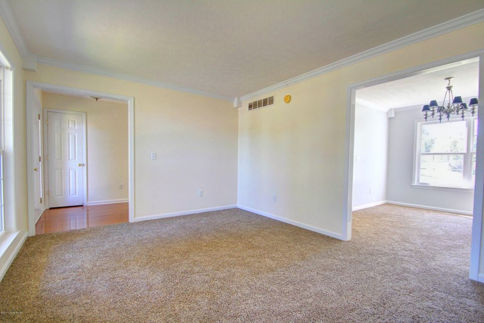 Additional photo for property listing at 2100 Crossfield Drive 2100 Crossfield Drive Elizabethtown, Kentucky 42701 United States