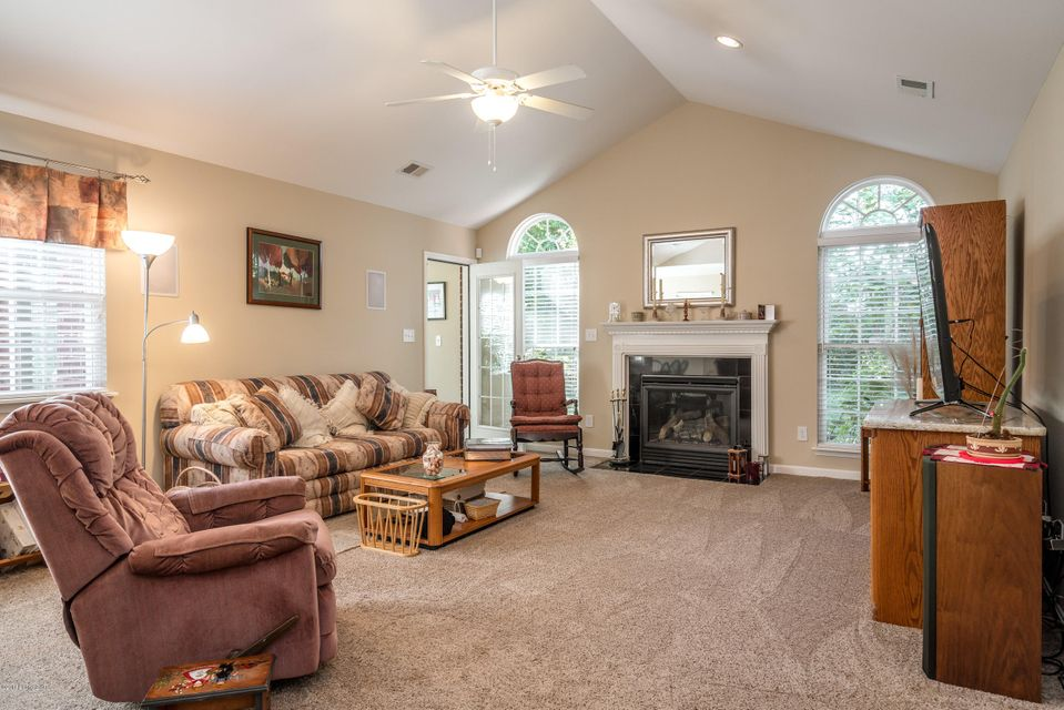 Additional photo for property listing at 10013 Vista Springs Way 10013 Vista Springs Way Louisville, Kentucky 40291 United States