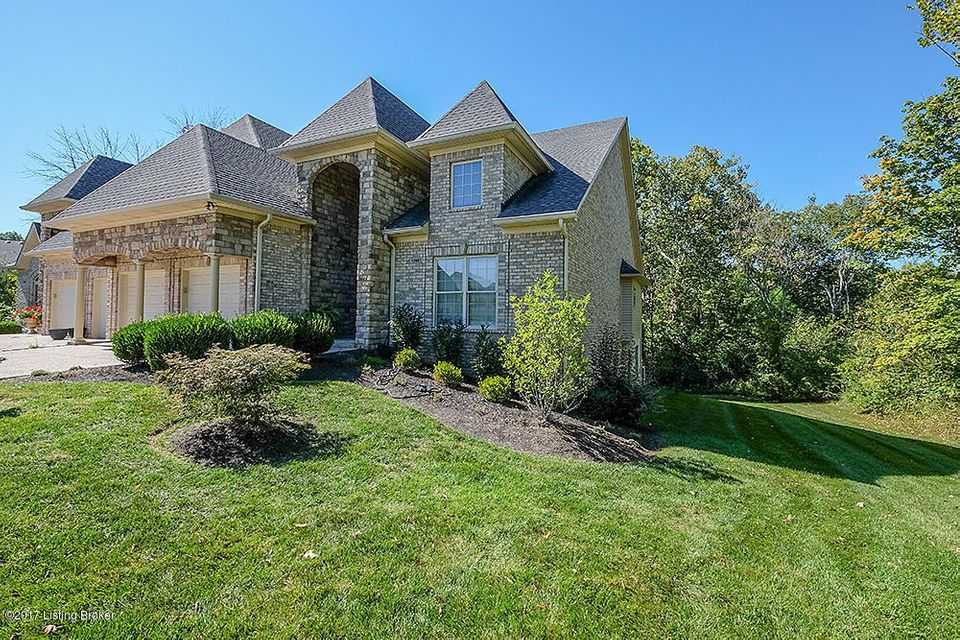 Additional photo for property listing at 10901 Jordain Drive 10901 Jordain Drive Louisville, Kentucky 40241 United States