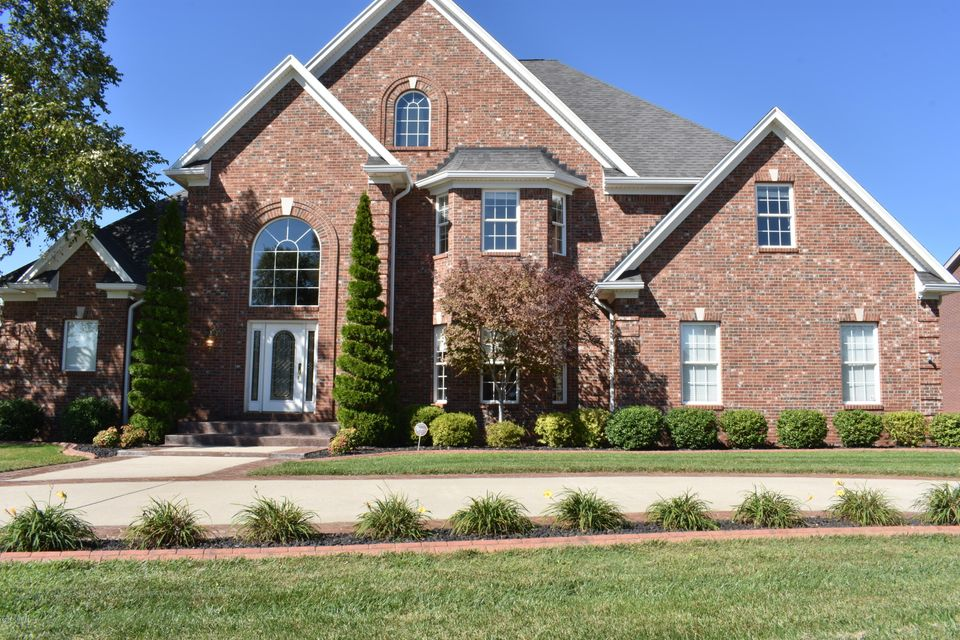 Single Family Home for Sale at 6113 Laurel Lane 6113 Laurel Lane Prospect, Kentucky 40059 United States