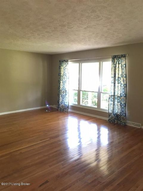 Additional photo for property listing at 249 Indian Trail 249 Indian Trail Radcliff, Kentucky 40160 United States