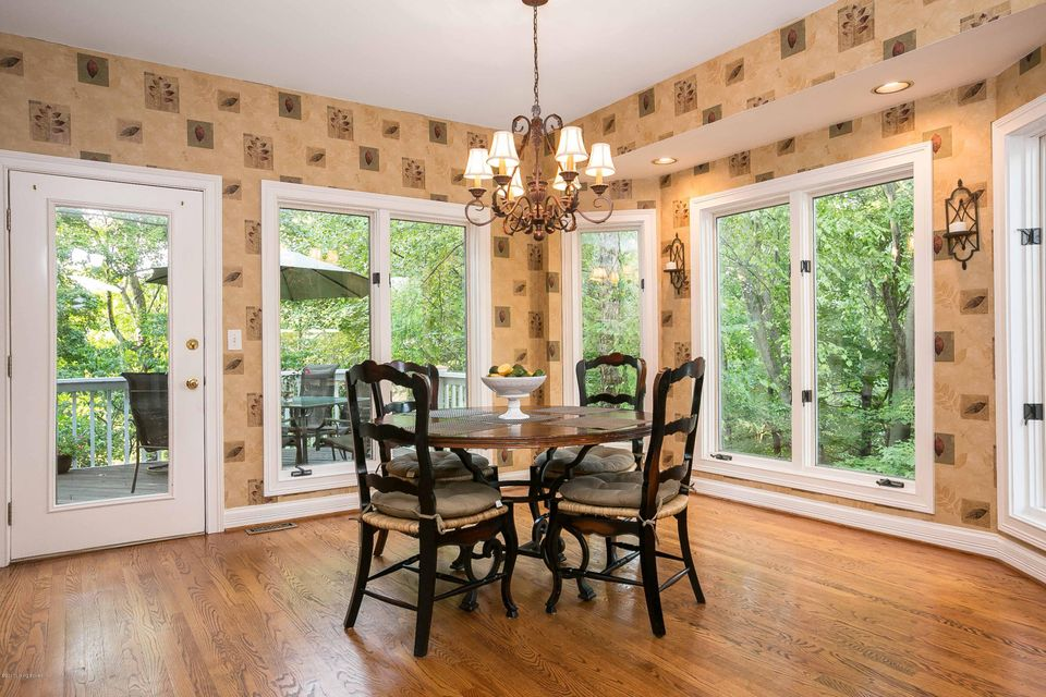 Additional photo for property listing at 7023 Wooded Meadow Road 7023 Wooded Meadow Road Louisville, Kentucky 40241 United States