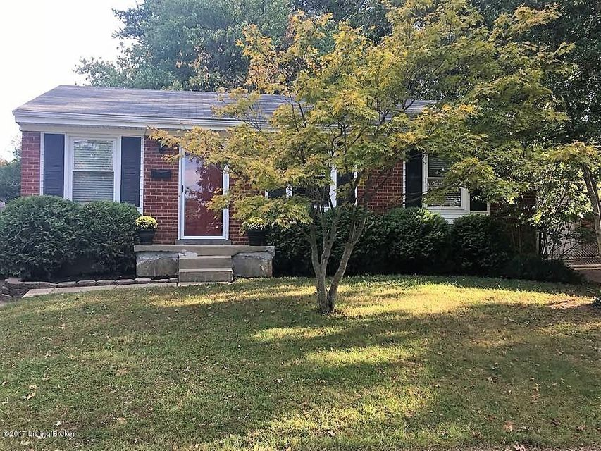 Single Family Home for Sale at 9110 Farnham Drive 9110 Farnham Drive Lyndon, Kentucky 40242 United States