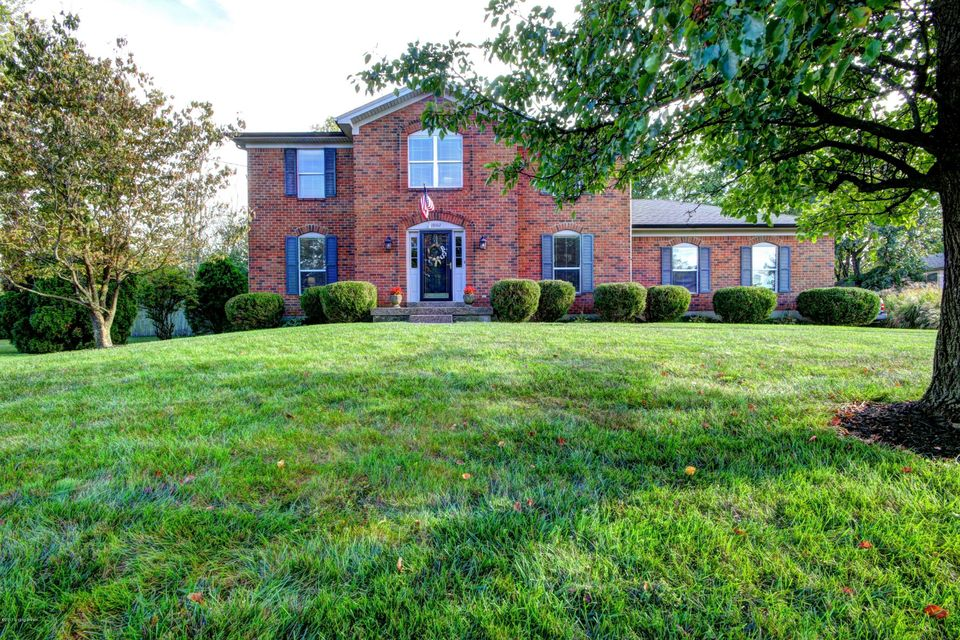 Single Family Home for Sale at 10102 Mary Dell Lane 10102 Mary Dell Lane Louisville, Kentucky 40299 United States