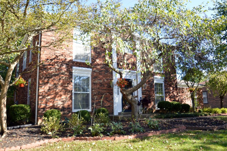 Single Family Home for Sale at 10005 Falling Tree Way 10005 Falling Tree Way Louisville, Kentucky 40223 United States