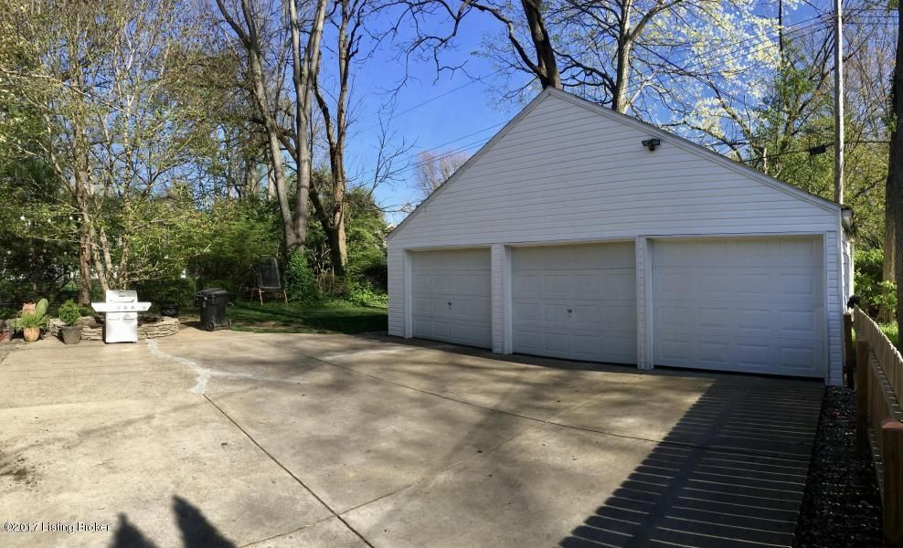 Additional photo for property listing at 3322 Lexington Road 3322 Lexington Road Louisville, Kentucky 40206 United States