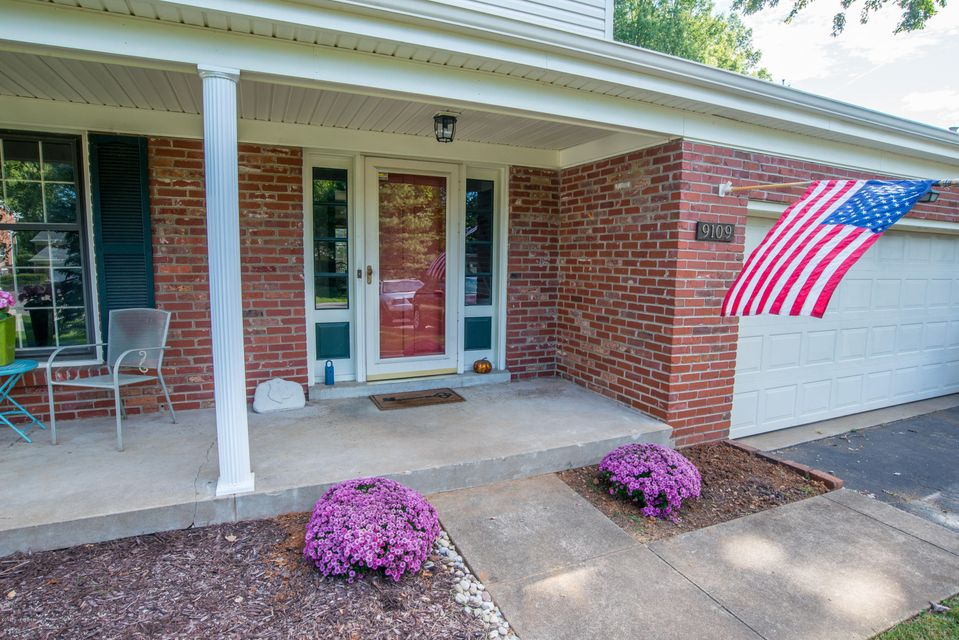 Additional photo for property listing at 9109 Trentham Lane 9109 Trentham Lane Louisville, Kentucky 40242 United States