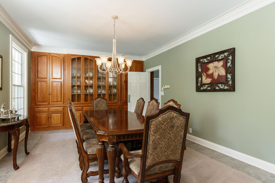 Additional photo for property listing at 11905 Creel Lodge Drive 11905 Creel Lodge Drive Anchorage, Kentucky 40223 United States