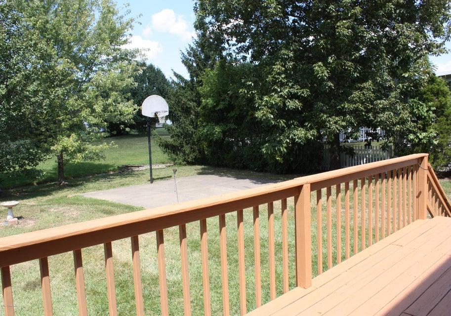 Additional photo for property listing at 4705 Shenandoah Drive 4705 Shenandoah Drive Louisville, Kentucky 40241 United States