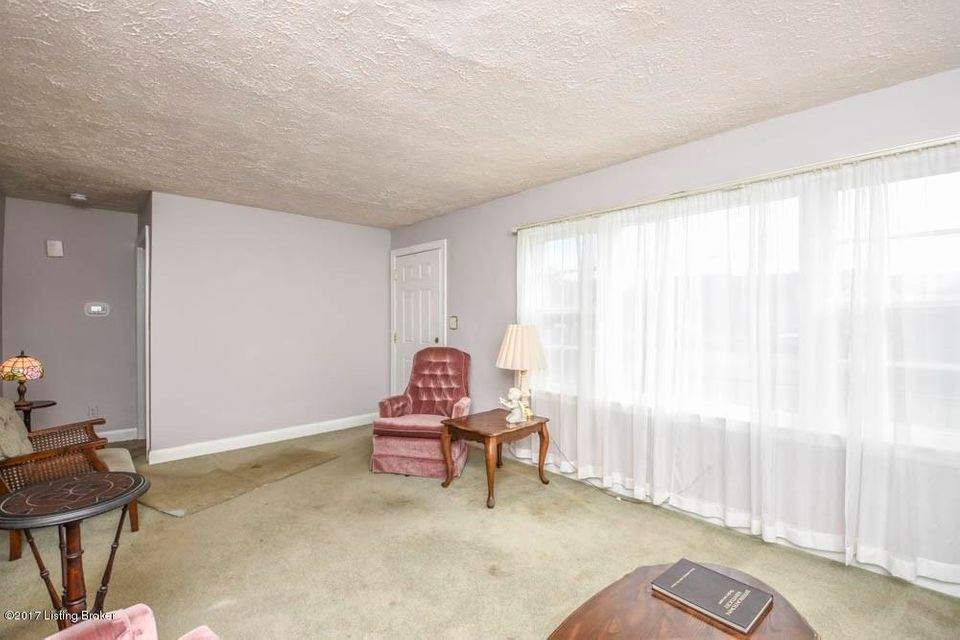 Additional photo for property listing at 3308 Maple Road 3308 Maple Road Jeffersontown, Kentucky 40299 United States