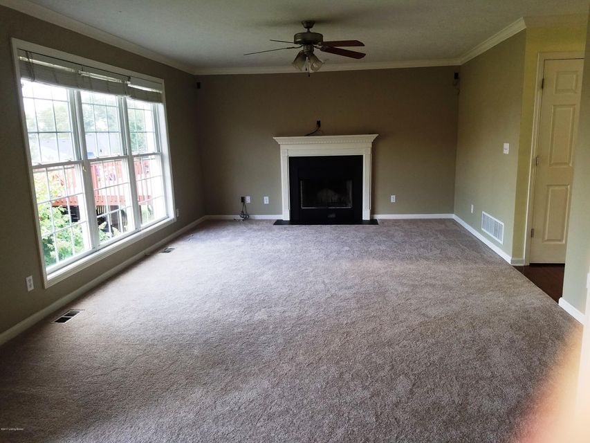 Additional photo for property listing at 10723 Vine Hill Drive 10723 Vine Hill Drive Louisville, Kentucky 40299 United States