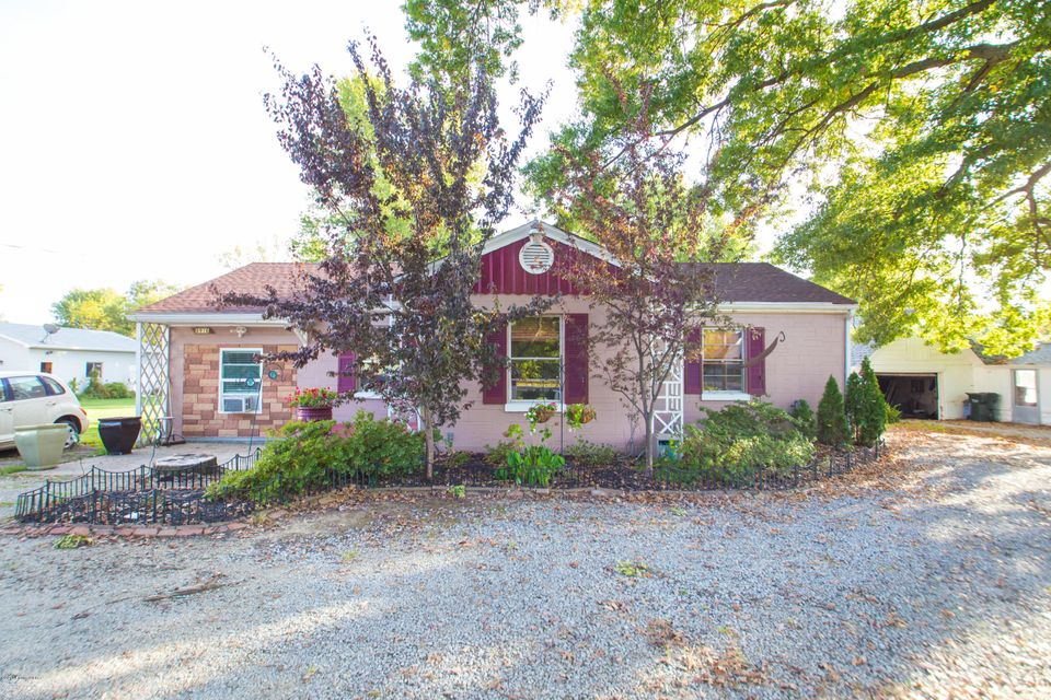 Single Family Home for Sale at 8916 Ferndale Road 8916 Ferndale Road Louisville, Kentucky 40291 United States