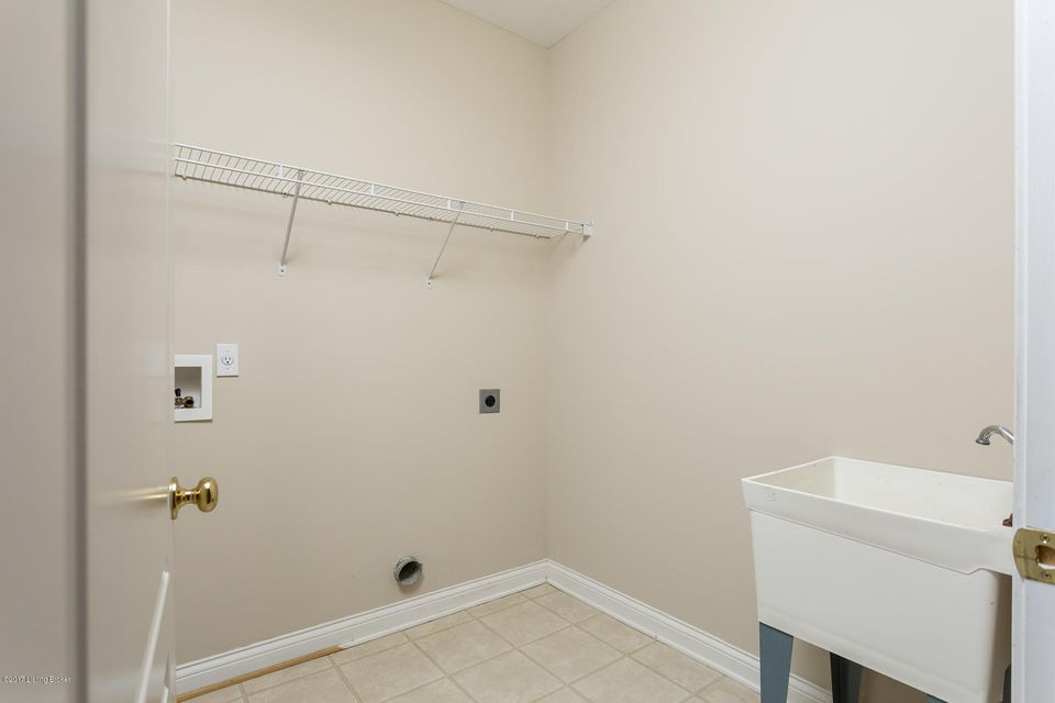 Additional photo for property listing at 15302 ROYAL TROON Avenue 15302 ROYAL TROON Avenue Louisville, Kentucky 40245 United States