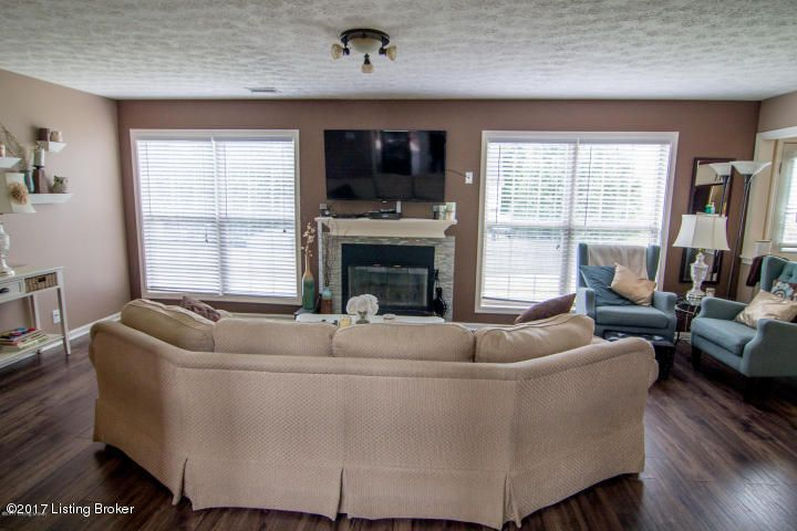 Additional photo for property listing at 12402 Bristol Bay Place 12402 Bristol Bay Place Louisville, Kentucky 40245 United States