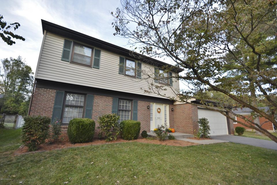 Single Family Home for Sale at 9219 Trentham Lane 9219 Trentham Lane Louisville, Kentucky 40242 United States