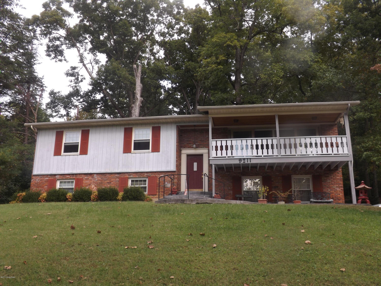 Single Family Home for Sale at 9211 Wildwood Lane 9211 Wildwood Lane Louisville, Kentucky 40272 United States