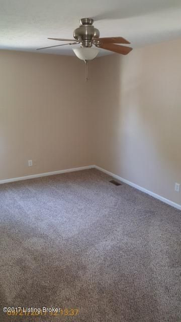 Additional photo for property listing at 3803 Bent Oak Court 3803 Bent Oak Court Louisville, Kentucky 40241 United States