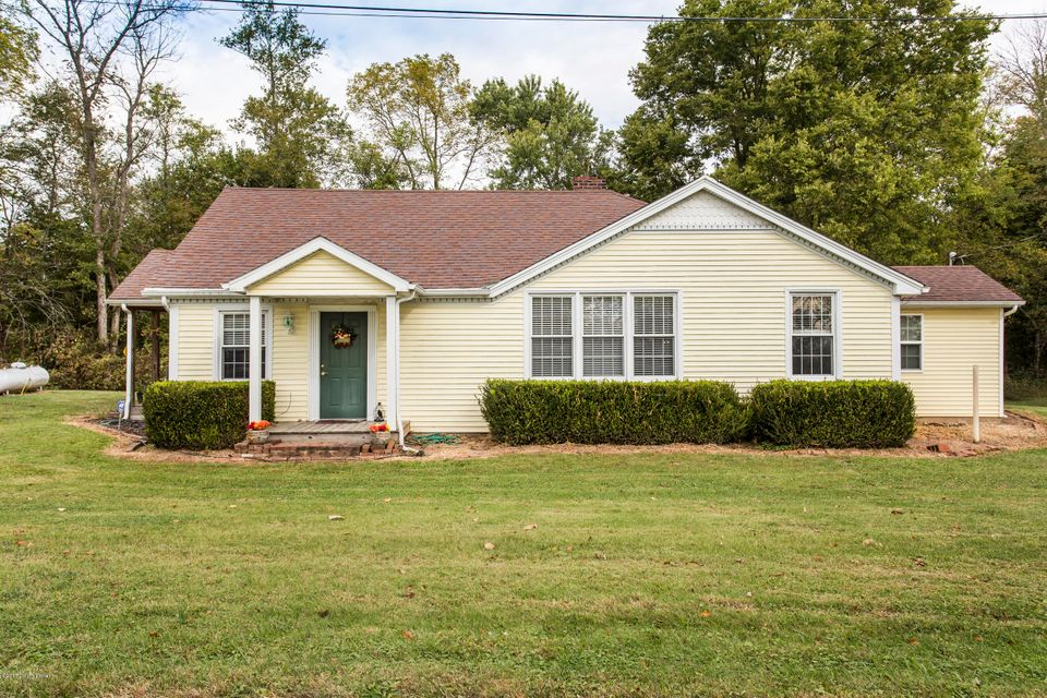 Single Family Home for Sale at 6001 W Hwy 42 6001 W Hwy 42 Goshen, Kentucky 40026 United States