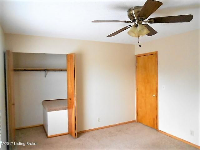 Additional photo for property listing at 319-A Prairie Drive 319-A Prairie Drive Louisville, Kentucky 40229 United States