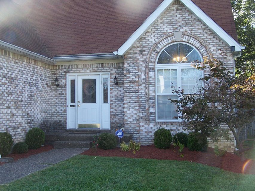 Additional photo for property listing at 3006 Christiana Woods Court 3006 Christiana Woods Court Jeffersontown, Kentucky 40299 United States