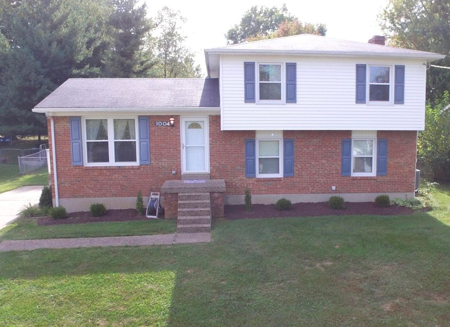 Single Family Home for Sale at 1004 Forest Lane 1004 Forest Lane Goshen, Kentucky 40026 United States