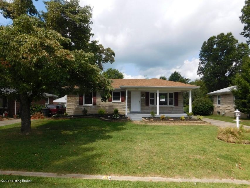 Single Family Home for Sale at 7908 Columbine Drive 7908 Columbine Drive Louisville, Kentucky 40258 United States
