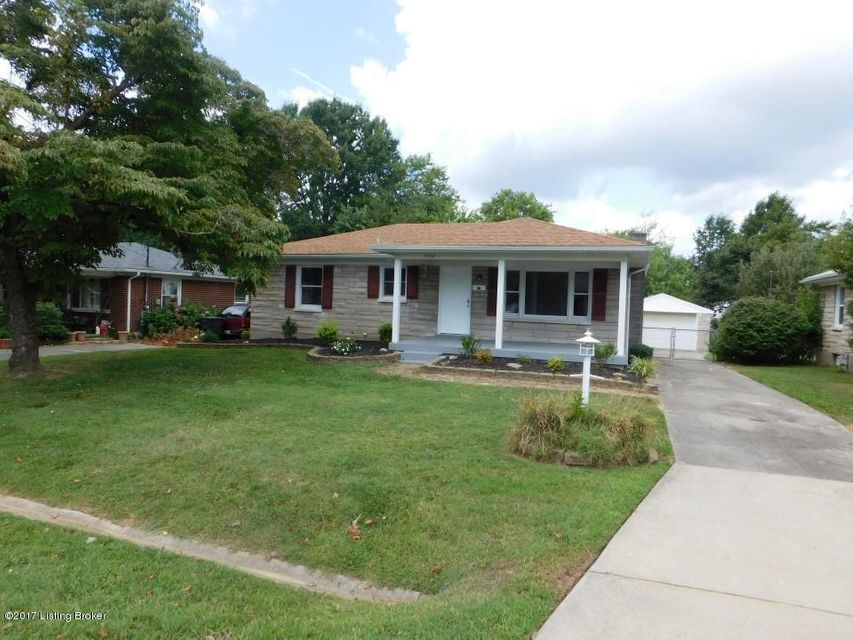 Additional photo for property listing at 7908 Columbine Drive 7908 Columbine Drive Louisville, Kentucky 40258 United States