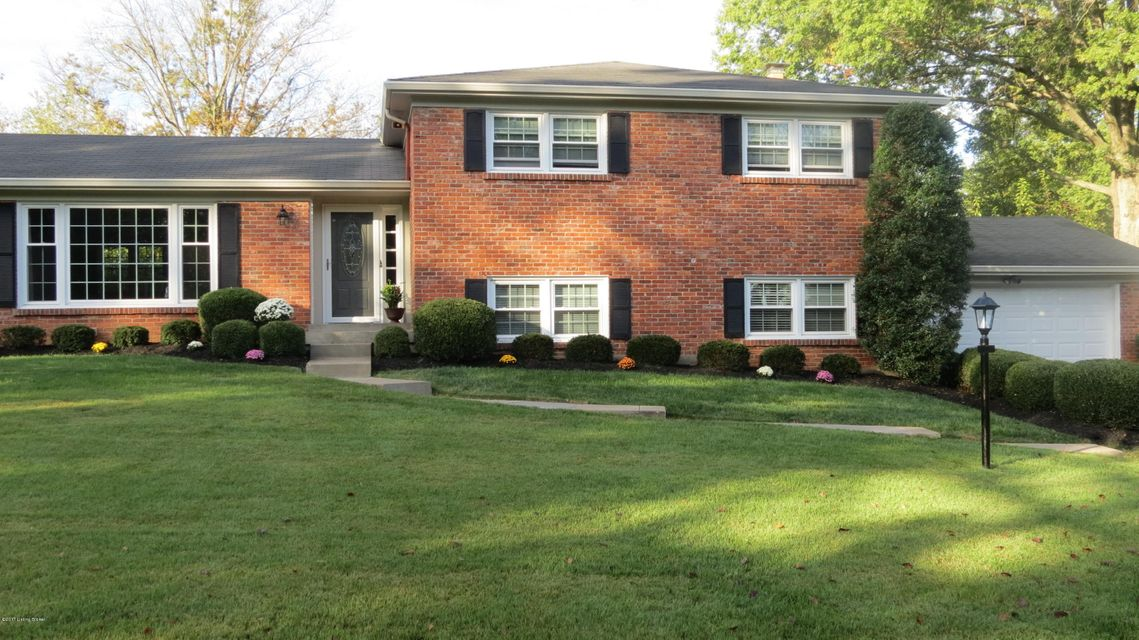 Single Family Home for Sale at 2308 Tuckaho Road 2308 Tuckaho Road Louisville, Kentucky 40207 United States