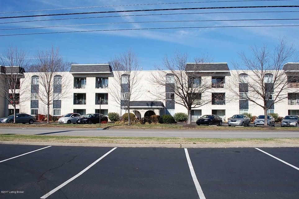 Single Family Home for Rent at 4875 Sherburn Lane 4875 Sherburn Lane Louisville, Kentucky 40207 United States