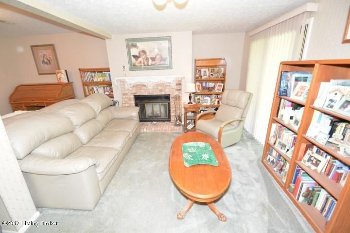 Additional photo for property listing at 1562 Greens Edge Drive 1562 Greens Edge Drive Florence, Kentucky 41042 United States