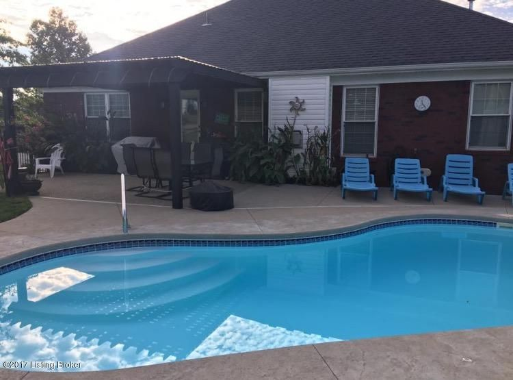 Additional photo for property listing at 254 Grand Oak Blvd 254 Grand Oak Blvd Louisville, Kentucky 40229 United States