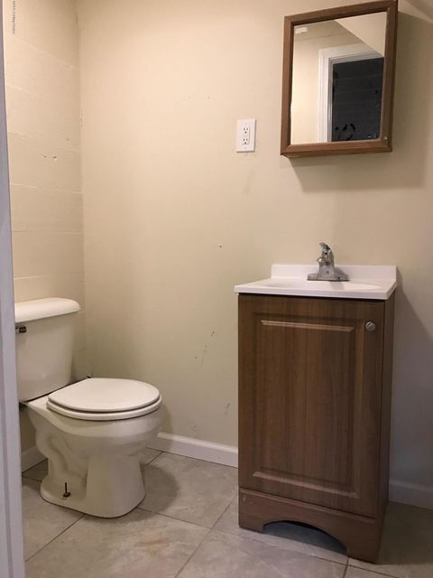 Additional photo for property listing at 4011 Lomond Drive 4011 Lomond Drive Louisville, Kentucky 40216 United States