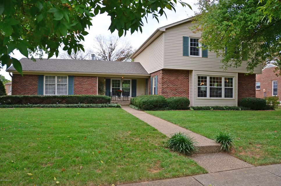 Single Family Home for Sale at 1204 Carlimar Lane 1204 Carlimar Lane Louisville, Kentucky 40222 United States