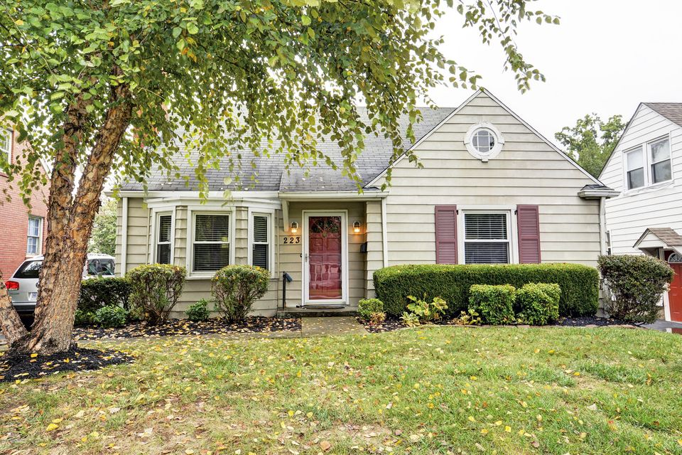 Single Family Home for Sale at 223 S Hubbards Lane 223 S Hubbards Lane Louisville, Kentucky 40207 United States
