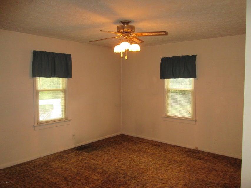 Additional photo for property listing at 6406 Shrader Lane 6406 Shrader Lane La Grange, Kentucky 40031 United States
