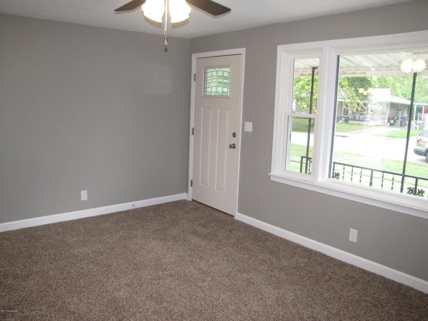 Additional photo for property listing at 6702 Fenway Road 6702 Fenway Road Louisville, Kentucky 40258 United States