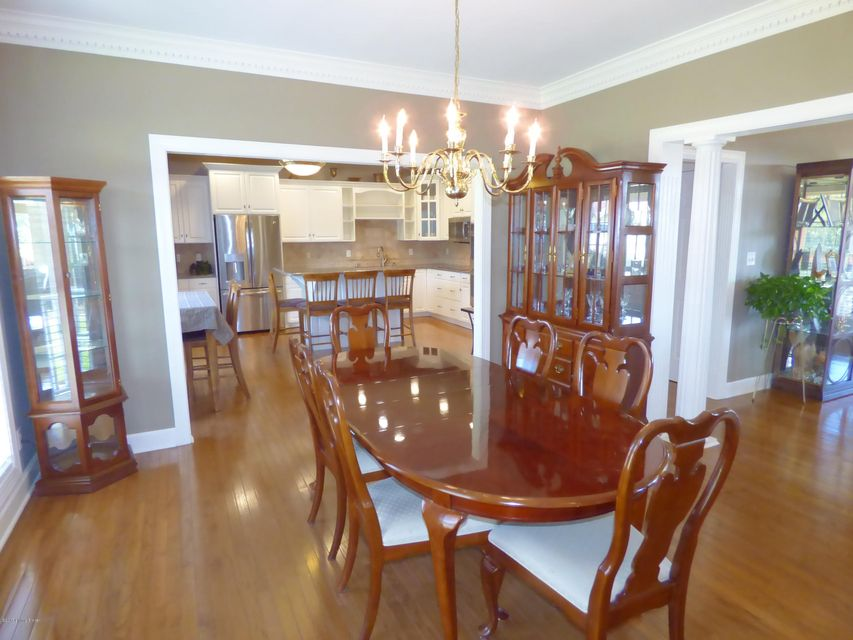 Additional photo for property listing at 205 Oak Valley Drive 205 Oak Valley Drive Mount Washington, Kentucky 40047 United States