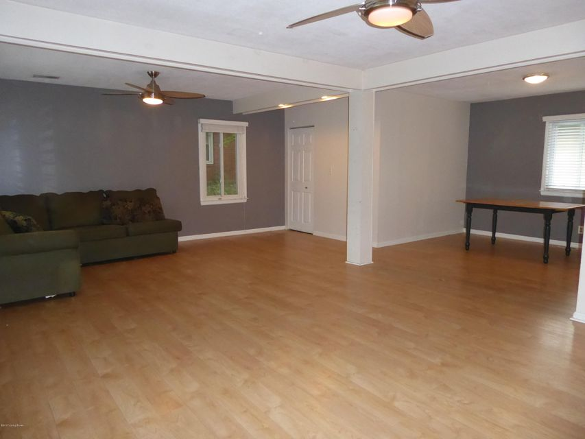 Additional photo for property listing at 2122 Dogoon Drive 2122 Dogoon Drive Louisville, Kentucky 40223 United States