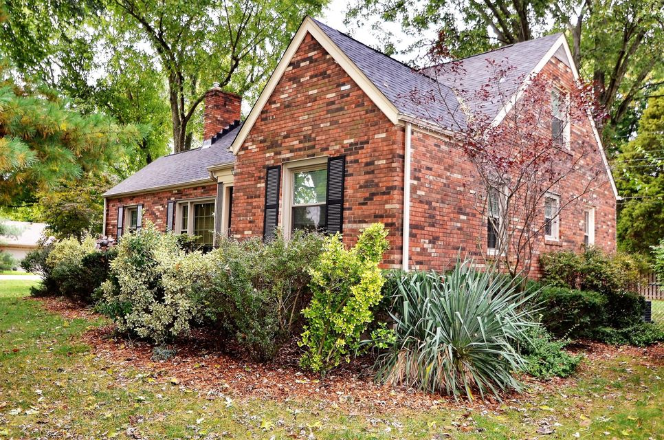 Additional photo for property listing at 4301 Kinloch Road 4301 Kinloch Road Louisville, Kentucky 40207 United States