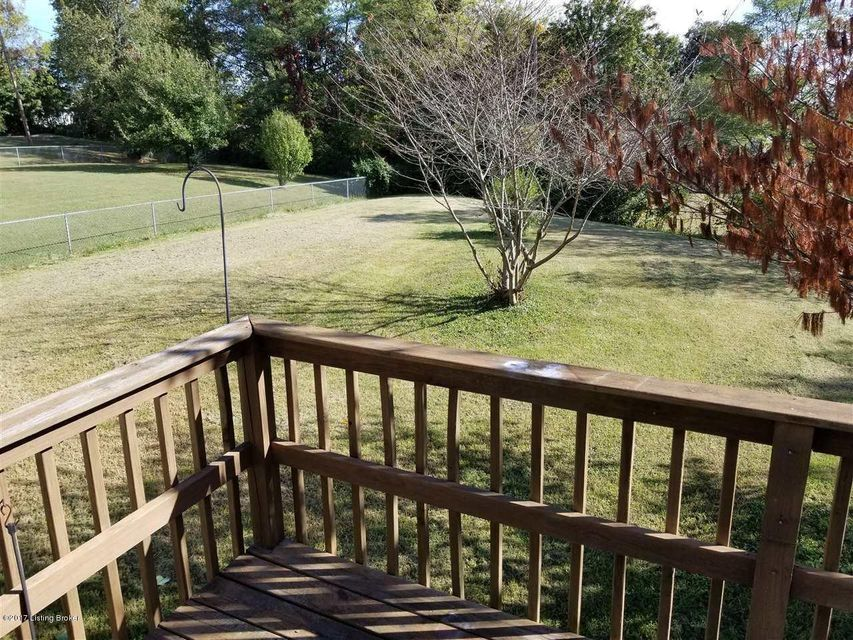 Additional photo for property listing at 108 Tim Lane 108 Tim Lane Radcliff, Kentucky 40160 United States