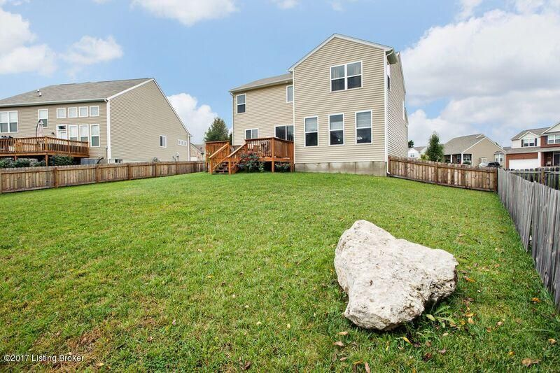 Additional photo for property listing at 9119 Big Boulder Drive 9119 Big Boulder Drive Louisville, Kentucky 40291 United States