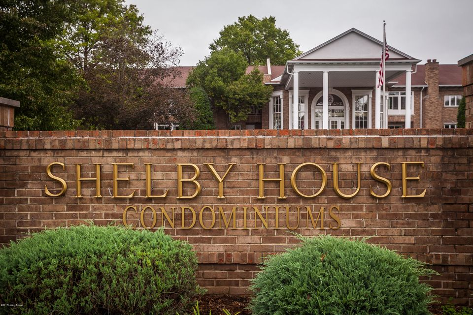 Condominium for Sale at 8605 Shelbyville Road 8605 Shelbyville Road Louisville, Kentucky 40222 United States