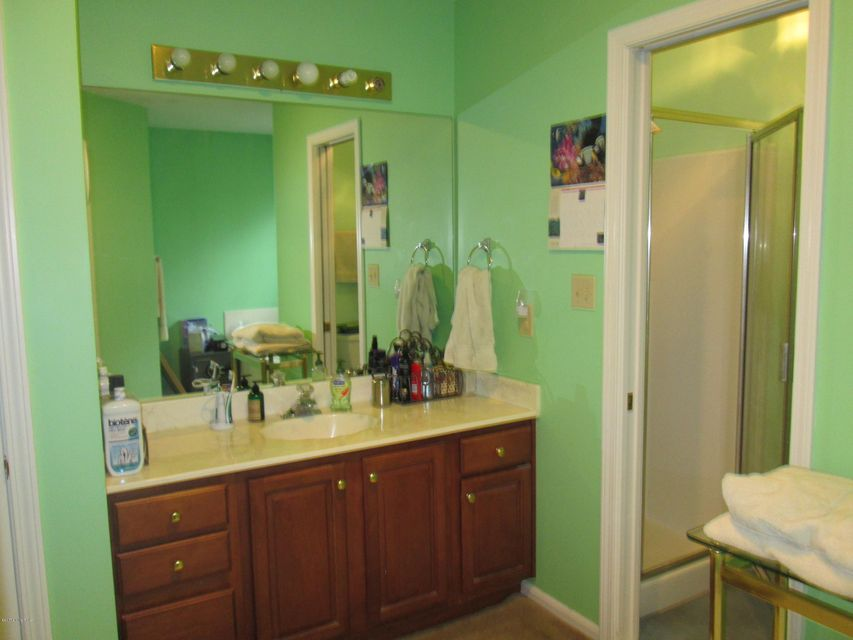Additional photo for property listing at 2210 Meadowbrook Drive 2210 Meadowbrook Drive La Grange, Kentucky 40031 United States