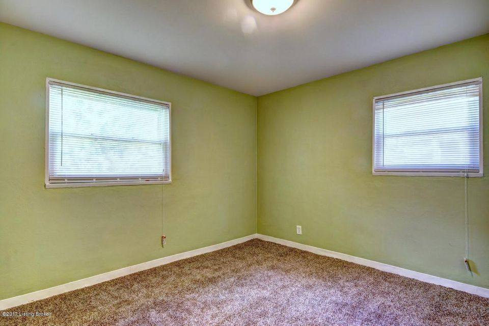 Additional photo for property listing at 4704 Andalusia Lane 4704 Andalusia Lane Louisville, Kentucky 40272 United States