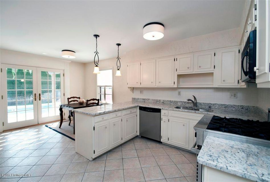 Additional photo for property listing at 3901 Glen Bluff Road 3901 Glen Bluff Road Louisville, Kentucky 40222 United States