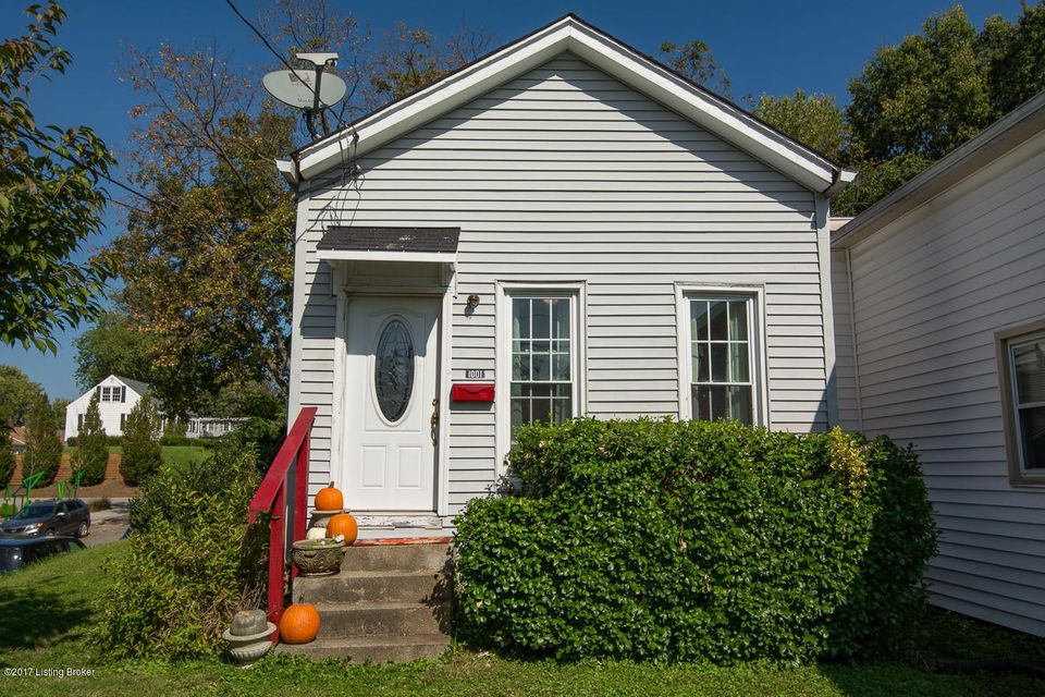 Single Family Home for Sale at 1001 Goss Avenue 1001 Goss Avenue Louisville, Kentucky 40217 United States