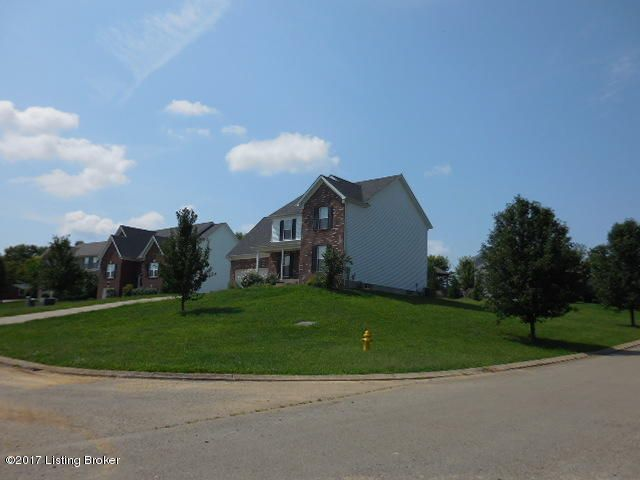 Additional photo for property listing at 2134 Southgate Court 2134 Southgate Court La Grange, Kentucky 40031 United States