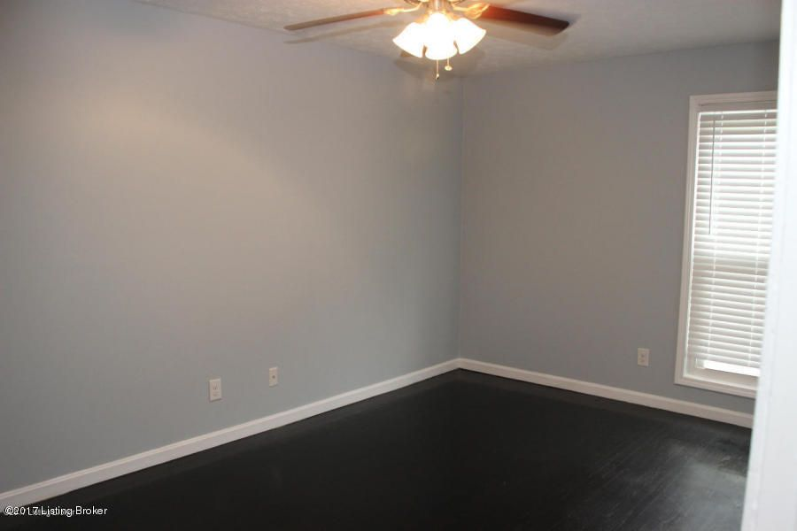 Additional photo for property listing at 2501 Lindsay Avenue 2501 Lindsay Avenue Louisville, Kentucky 40206 United States